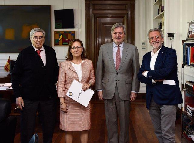 Iñigo Méndez de Vigo y Elsa González