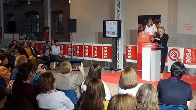 Susana Díaz en un acto de apoyo con mujeres socialistas
