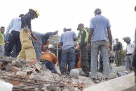 Al menos cinco muertos y 23 heridos tras derrumbarse un edificio de seis plantas en Cartagena de Indias