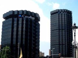 CaixaBank gana 403 millones hasta marzo, un 47,9% más tras integrar BPI
