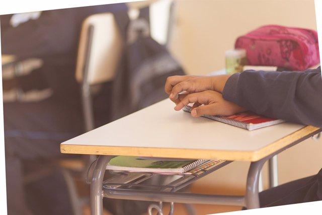 Colegio, escuela, aula, primaria, clase, niño, niña, niños, estudiando, estudiar