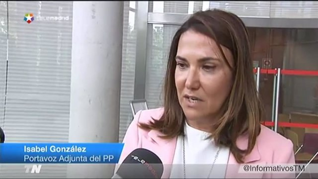 Imagen de la diputada Isabel González en declaraciones a Telemadrid