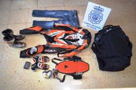 Detenidos dos hombres y una mujer acusados de perpetrar más de 20 robos en Almería