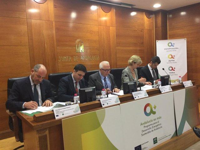 Firma de protocolo entre Claner y la Agencia Andaluza de la Energía.