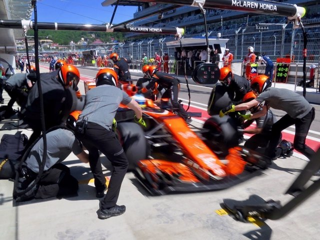 Fernando Alonso (McLaren) en Rusia