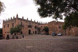 El Museo de Cáceres celebra su centenario con una exposición de 100 paneles que explican su historia