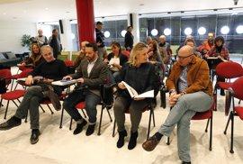 Cultura presenta el programa artístico EnREDarte 2017 a los ayuntamientos