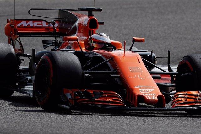 Vandoorne (McLaren) en el test de Baréin