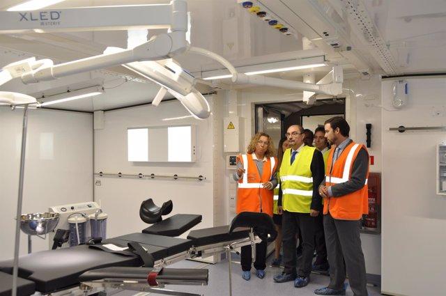 El presidente aragonés, Javier Lambán, ha visitado el hospital de campaña.