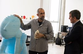 Clavijo destaca la labor formativa y de apoyo a las pymes de la fabricación digital de la ULL