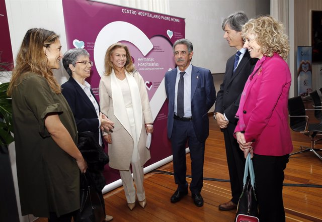 Salón De Actos Del Centro Hospitalario Padre Menni, Santander El Presidente De C