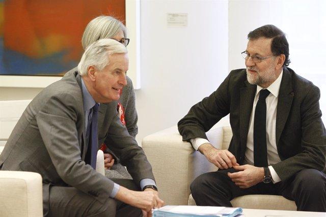 Rajoy recibe en La Moncloa a Michel Barnier