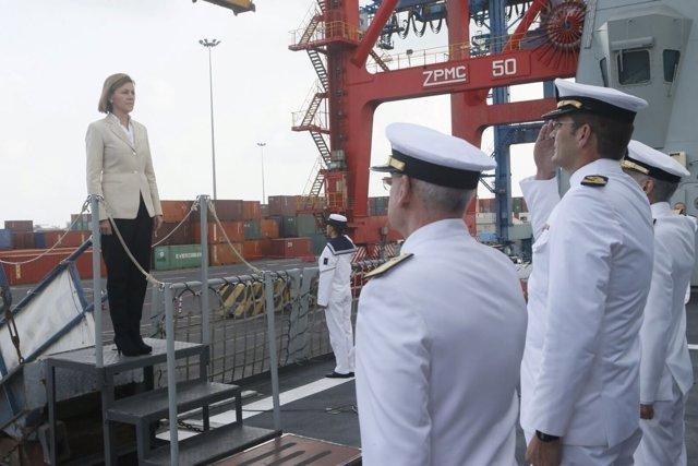 La ministra de Defensa, María Dolores de Cospedal, visita a los militares españo