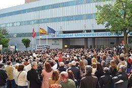 Imagen de la concentración en el Hospital de Móstoles