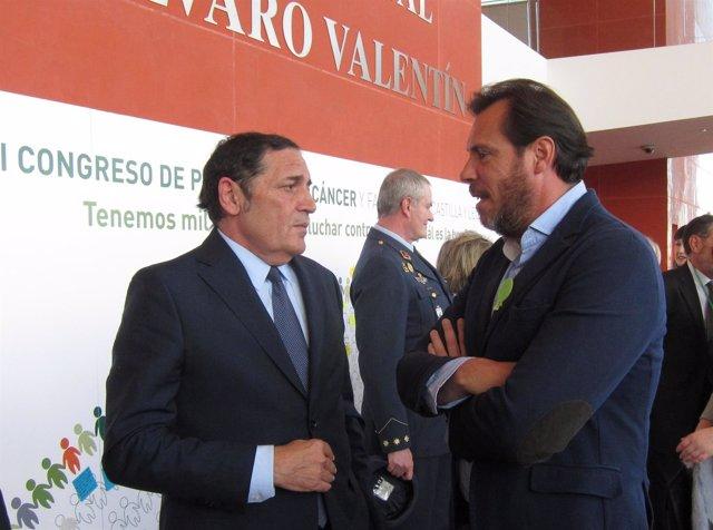 El consejero con el alcalde de Valladolid antes de la inguración del Congreso