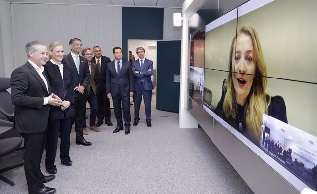 Cifuentes Inaugura El Nuevo Centro Tecnológico De Hewlett Packard Enterprise En