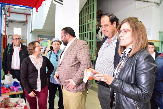 Visita de la Junta al instituto Francisco Javier de Burgos