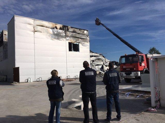 Incendio en la empresa Poliéster Resitex de Esquíroz