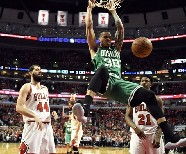 Nikola Mirotic Gerald Green Chicago Bulls Boston Celtics