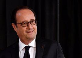 """Hollande alerta a los franceses de que en la segunda vuelta decidirán si hay que """"temer una salida de Europa"""""""