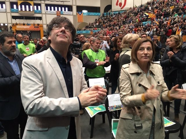 Carles Puigdemont y Carme Forcadell