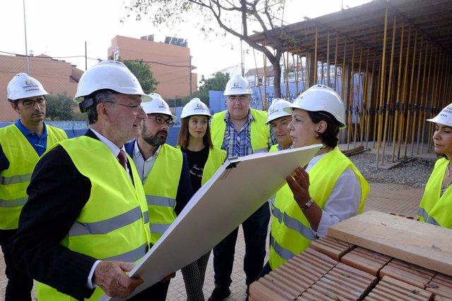 De la torre pomares visitan ampliación centro social victoria kent