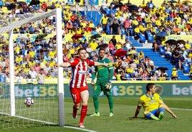 El Atleti se come a Las Palmas antes del Bernabéu