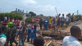 Elevan a veinte los muertos por el derrumbe de un edificio en Cartagena de Indias
