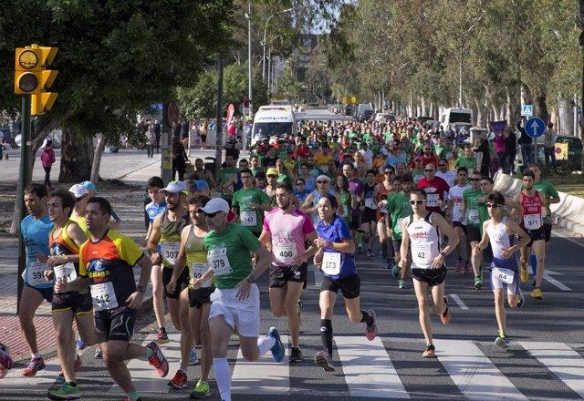 Carrera segunda edición de la prensa corredores atletas runners running correr