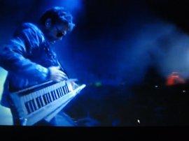"""El público vibra en un concierto en el que Jarre """"conectó con el mundo"""""""