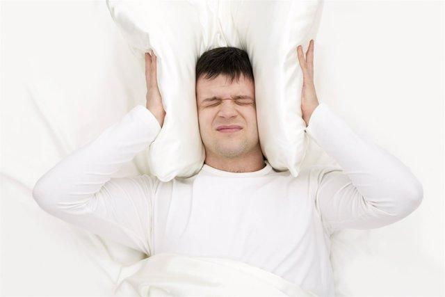Ruido, dormir, cama, insomnio, sueño.