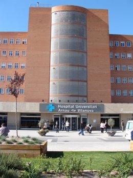 Fachada del Hospital Arnau de Vilanova