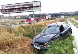 Investigan una salida de vía en Arguedas al no encontrar al conductor del vehículo