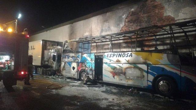 Autobús incendio