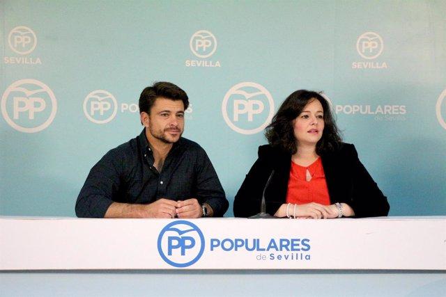Rueda de prensa de Virginia Pérez y Beltrán Pérez en la sede del PP de Sevilla