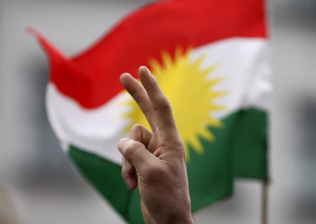 La bandera del Kurdistán