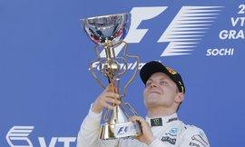 Bottas estrena victoria en Rusia, Sainz puntúa y Alonso vuelve a abandonar