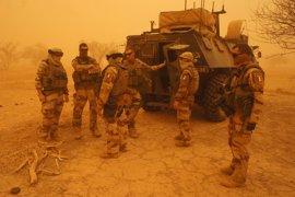 Francia mata a más de 20 milicianos en la frontera entre Malí y Burkina Faso