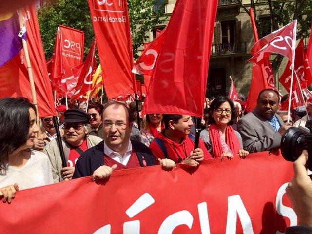Esther Niubó, Miquel Iceta y Eva Granados en la manifestación del 1 de Mayo
