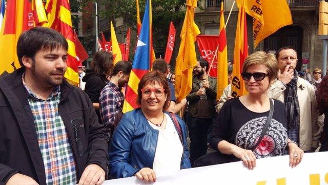 Isaac Peraire, Dolors Bassa y Anna Simó en la manifestación del 1de Mayo