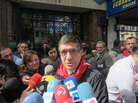 """López dice que el PSOE no se dedicará """"a seguir"""" a Iglesias"""