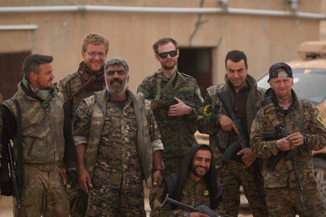 Milicianos de las FDS en Tabqa