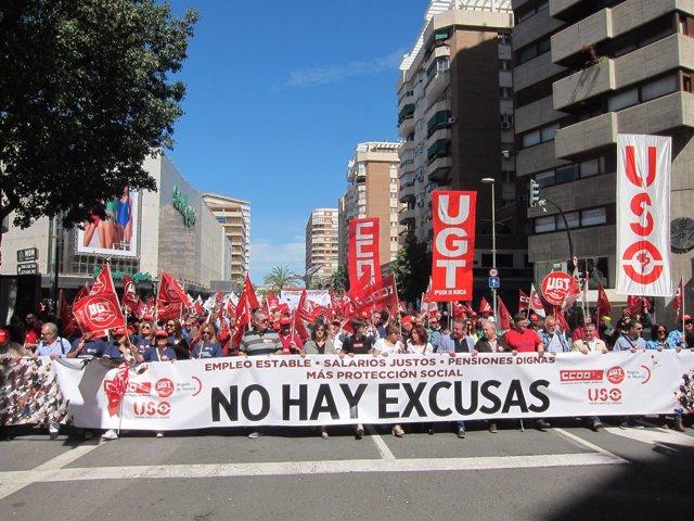 Imagen De La Cabecera De La Manifestación De Este 1º De Mayo