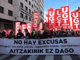 """UGT y CCOO se movilizan en Pamplona para reclamar """"empleo estable y salarios justos"""""""