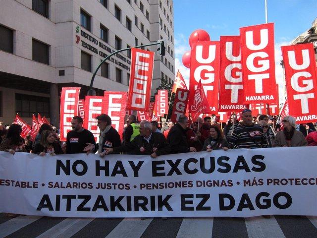 Manifestación de UGT y CCOO en Pamplona con motivo del Primero de Mayo.
