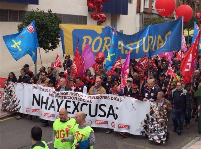 Manifestación 1 de mayo de CCOO y UGT en Avilés