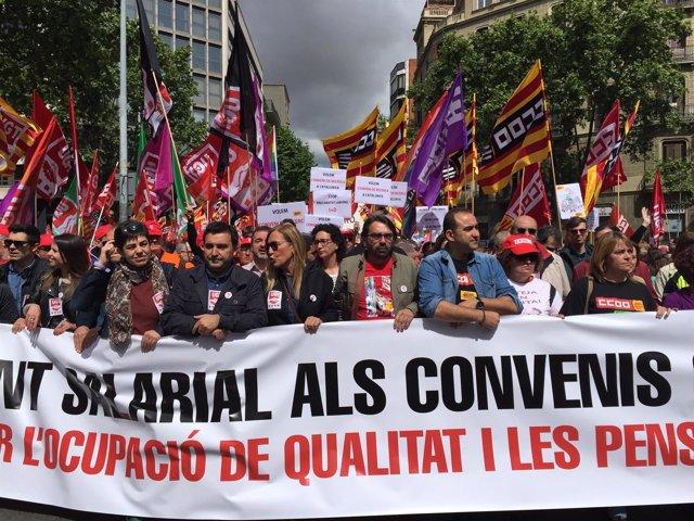 Cabecera de la manifestación del Día del Trabajo en Barcelona