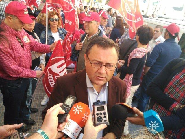 Heredia primero de mayo manifestación psoe málaga secretario general