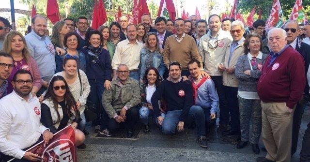 El PSOE de Huelva participa en la manifestación del 1 de mayo