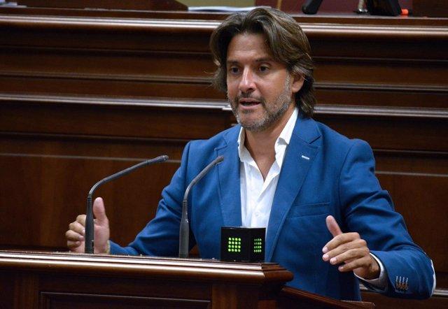El diputado del PSOE de Canarias Gustavo Matos